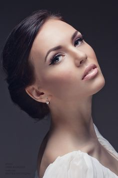 Classic makeup. Great natural look. Perfect for brides.