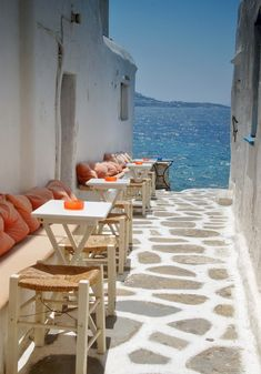Alley cafe to the sea - Mykonos, Greece