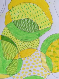 Doodling lemons and limes, by drawing round a plastic lid, part of a series of simple doodle experiments featured on my blog