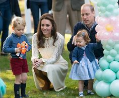 The Royal Family; Kate Middleton, Prince William, Prince George and Princess Charlotte (REX/Shutterstock) Kate Middleton Et William, Prince William Et Kate, Pippa Middleton, Prince Harry And Meghan, Prince Georges, Diana Spencer, Duke And Duchess, Duchess Of Cambridge, Duchess Kate