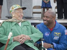 Former NASA mathematician Katherine Johnson with astronaut Leland Melvin. Women In History, Black History, Katherine Johnson, Hidden Figures, Man On The Moon, African American History, The Girl Who, My People, Old Women