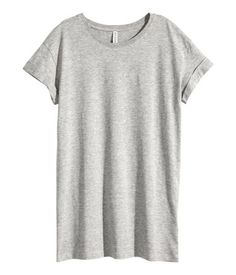 Long T-shirt in jersey with sewn cuffs on sleeves.