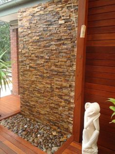 DIY Wall Cascading Water Features with Stone Cladding Garden Water Wall Stone Water Features, Water Features In The Garden, Wall Water Features, Outdoor Water Features, Tabletop Fountain, Indoor Fountain, Water Wall Fountain, Top Fontes, Piscine Diy