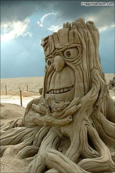 Sand art is type of modelling sand into a special form as a sand castles, sand sculpture and the other sand creatures. Sand and water are two main ingredients Sculpture Textile, Sculpture Art, Abstract Sculpture, Bronze Sculpture, Chef D Oeuvre, Oeuvre D'art, Ice Art, Snow Sculptures, Metal Sculptures
