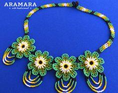 Corte de flores de abalorios de mexicana Huichol collar