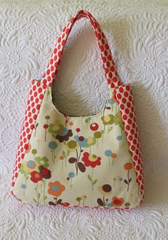 Chantal tote bag sewing pattern by GetaGrama on Etsy, $12.00