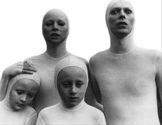 Thomas Jerome Newton (David Bowie) & his family on their home planet: The Man Who Fell To Earth (1976)