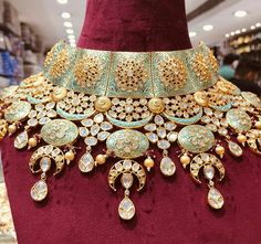 Gold Jewelry Buyers Near Me Product Indian Jewelry Earrings, Indian Jewelry Sets, Jewelry Design Earrings, Indian Wedding Jewelry, Bridal Jewelry, Gold Jewelry, Antique Jewellery Designs, Beaded Jewelry Patterns, Churidar