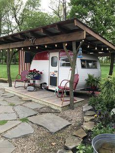Vintage Caravans, Vintage Travel Trailers, Vintage Campers, Camper Makeover, Camper Renovation, Camping Glamping, Trailer Remodel, Camper Life, Remodeled Campers