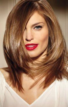 Piękne miedziane lśniące włosy - cieniowane - czerwone usta
