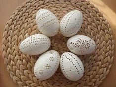 klikni pro další 112/142 Egg Shell Art, Carved Eggs, Egg Tree, Easter Traditions, Faberge Eggs, Chicken Eggs, Egg Decorating, Egg Hunt, Egg Shells
