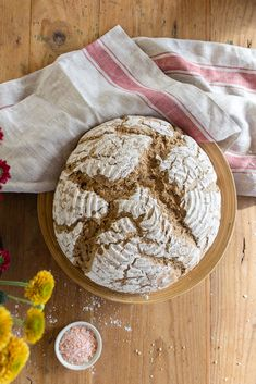 Sauerteig Grundrezept, Roggen-Topfen-Weckerl und Roggenbrot – sophieschoices Camembert Cheese, Dairy, Bread, Recipes, Construction, Food, Kitchens, Cooking, Building