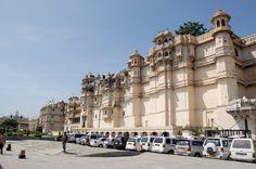 Fotografía: Juan José Cid - Palacio de la Ciudad, Udaipur NK Jaipur, Taj Mahal, Varanasi, Nepal, Beautiful Places, Louvre, Street View, India, Country