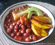 New soup recipes bean meals Ideas Colombian Dishes, My Colombian Recipes, Colombian Cuisine, Latin American Food, Latin Food, Mexican Food Recipes, Soup Recipes, Cooking Recipes, Clean Eating Tips