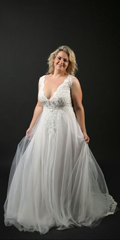 Plus size wedding gown with a lace top and tulle skirt. Tracie. Studio Levana