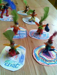 Vrije School Michael Bussum - Klasse(n)werk Waldorf Kindergarten, Crafts For Kids, Arts And Crafts, Waldorf Crafts, Home Learning, Yule, Garland, December, Seasons