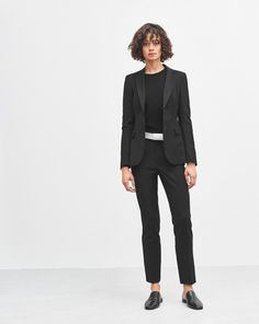 Eve Cool Wool Jacket Black | Black slim pants | Black cigarette trousers | Minimalist casual wear | Capsule wardrobe | Slow fashion | Simple style | Minimalist style | Black and white top | Scandinavian casual wear | Stylish work outfit by Filippa K