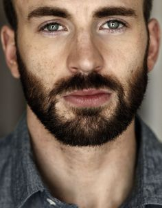 I will always have a thing for guys with pretty eyes and beard. Chris Evans. || God bless his mom