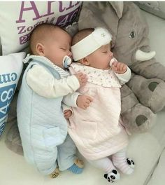 58 trendy baby shower twins boy and girl newborns So Cute Baby, Cute Baby Twins, Twin Baby Boys, Boy Girl Twins, Baby Kind, Twin Babies, Baby Baby, Baby Girls, Cute Baby Pictures