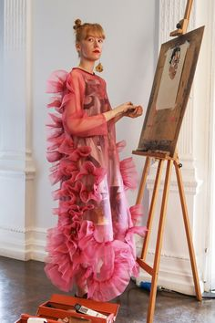 With Stitchless Garments Designer Katie Roberts-Wood Links Femininity to Strength - Vogue Best Of Fashion Week, Live Fashion, Fashion Weeks, Women's Fashion, Katie Roberts, Feminine Symbols, Robert Wood, Jessica Rose, Fallen London
