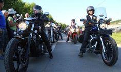 Motoristi stigli u Potočare: Oko 300 učesnika 4. Moto maratona Srebrenica odaje počast žrtvama! | http://www.dnevnihaber.com/2015/07/motoristi-stigli-u-potocare-oko-300-ucesnika-4.-moto-maratona-srebrenica-odaje-pocast-zrtvama.html