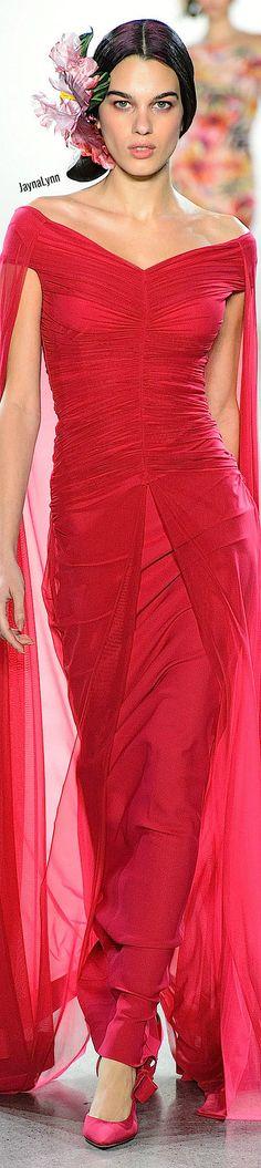 Chiara Boni La Petite RTW Spring 2019 Chic Dress, Dress Up, Fashion Designers, Fashion Brands, Evening Party Gowns, Passion For Fashion, Formal Dresses, Spring, Hot