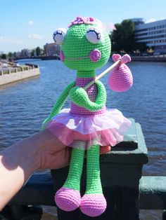 Check this free crochet ballerina frog pattern!