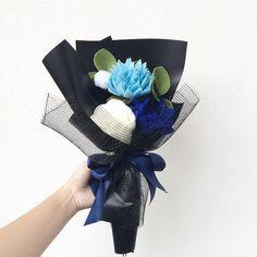 Blue reminds me of the sea where my heart belongs  . . #flower #wedding #bouquet #florist #feltflower #feltflorist #feltbouquet #feltsunflower #bungaflanel #bungaflaneljogja #bungawisuda #bungawisudajogja #bungajogja #bouquetbunga #bouquetjogja #bungakertas #paperflower #buketbunga #makersgonnamake