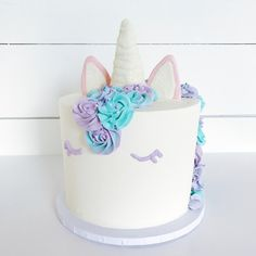 einfache einhorn torte selber machen kindergeburtstag ideen sahne fondant