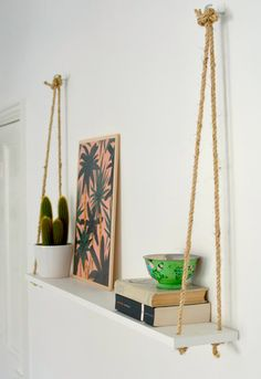 DIY Hacks for Renters - DIY Easy Rope Shelf - Easy Ways to Decorate and Fix Thin. DIY Hacks for Renters - DIY Easy Rope Shelf - Easy Ways to Decorate and Fix Things on Rental Property - Decorate Walls, Cheap Ideas for Maki. Easy Home Decor, Cheap Home Decor, Cheap Bedroom Ideas, Diy Decorations For Home, Hanging Decorations, Easy Diy Room Decor, Small Room Decor, Home Craft Ideas, Cheap Apartment Ideas Budget