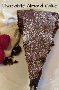 The folks at Cook's Illustrated perfected this delicious Italian chocolate-almond cake recipe. Flowerless Chocolate Cake, Chocolate Almond Cake, Italian Chocolate, Almond Cakes, Delicious Chocolate, Chocolate Desserts, Chocolate Lovers, Cheesecakes, Flourless Cake