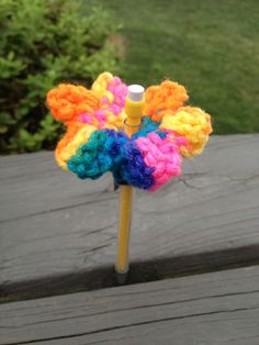 Never lose your pencils again! Crochet mechanical pencil toppers.