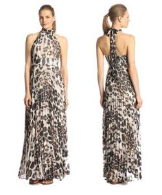 The Pleated Skirt And Mock Neck Design Makes This Animal Print Halter Neck Maxi Dress So Sexy!