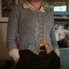 Ravelry: LotteB's grey days cardigan~ Miette by Andi Satterlund Sweater Knitting Patterns, Cardigan Pattern, Knitting Designs, Mode Crochet, Knit Crochet, Vintage Knitting, Free Knitting, Only Cardigan, Mantel