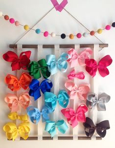 New Hair Accessories Storage Diy Headband Holders Ideas Hair Bow Hanger, Diy Hair Bow Holder, Diy Headband Holder, Diy Hair Bows, Diy Bow, Ribbon Hair, Diy Hair Bow Organizer, Hair Bow Storage, Hair Accessories Storage