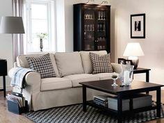 Cozy chic bright living room