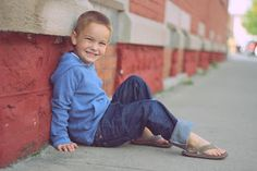 4 year old boy, could he be any cuter? Toddler Pictures, Boy Pictures, Boy Photos, Family Pictures, Toddler Boy Photography, Children Photography Poses, Photography Ideas, Baby Poses, Kid Poses