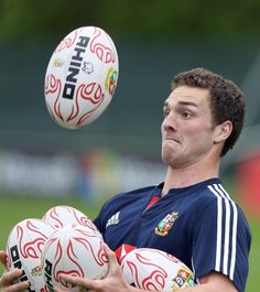 George North shows off his juggling skills in training!