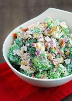 Salad - Low Carb Does broccoli salad sound good to you? Then try this low carb broccoli salad recipe, right now!Does broccoli salad sound good to you? Then try this low carb broccoli salad recipe, right now! Low Carb Paleo, Low Carb Lunch, Low Carb Diet, Atkins Recipes, Low Carb Recipes, Healthy Recipes, Atkins Diet Recipes Phase 1, Simple Recipes, Healthy Salads