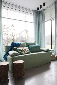 Neutraal Interieur Met Vloerkleed In Kleur   Stock Interiors   Residence  #TEFAF #ResidenceNL #Stocku2026   Wonen   Inspiratie By UWwoonmagazine   Pinteu2026
