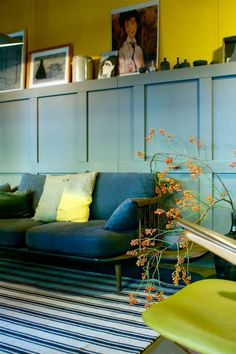 Extremely Fun Blue Yellow Home Decor Inspiration Ideas 05 My Living Room, Home And Living, Living Spaces, Yellow Home Decor, Chartreuse Decor, Sweet Home, Inspired Homes, Home Interior, Interior Styling