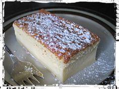 Tämä kakku on taikaa, koska uunin menee yksi kakkutaikina mutta uunista tullessaan on kakussa kolme erillistä kerrosta Baking Recipes, Cake Recipes, Finnish Recipes, Norwegian Food, Piece Of Cakes, Desert Recipes, No Bake Cake, Sweet Recipes, Sweet Treats