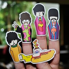 Printable Beatles Yellow Submarine Finger Puppets | Tektonten Papercraft