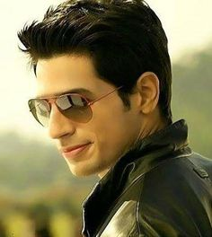 Download Sidharth malhotra 14 - Cool actor images-Mobile Version | HD wallpapers.