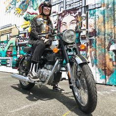 Monture Royale. #RoyalEnfield #classicchrome500 #moto #motors #girlwhoride #biker #exploration #mural #streetart #murals #wheelsandwaves #wheelsandwaves2018 #bike #girlonbike #ride #rider #letsgo #wheels #biarritz #paysbasque #France #ridewithstyle #picoftheday #motorcycle #testride #me #classic #sheridesRE #STRE