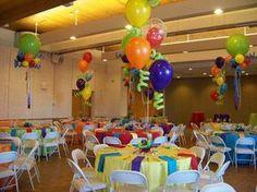 multicolor decoración con globos para centros de mesa infantiles