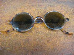 90d4d1b7b2dc Bakelite Art Deco Sunglasses. 1920s 30s round faux tortoiseshell Windsor style  eyeglasses green tint lens. French vintage moulded plastic