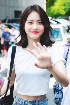 Korean Short Hair, Korean Girl, Korean Actresses, Korean Actors, Lee Joo Young, Kdrama Actors, Korean Beauty, Pretty People, Short Hair Styles