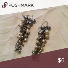 Pearl / Beaded Earrings Open to all offers! Previously loved but in wonderful condition. These have a very vintage feel.  Check out my page for more cute stuff! I usually sell clothing/accessories/jewelry/makeup! 💜 Forever 21 Jewelry Earrings
