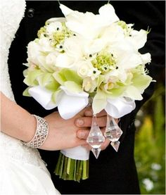 Bouquets of the Week - May via Project Wedding